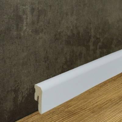Abgerundete Sockelleiste foliert weiß (12 x 42 mm)