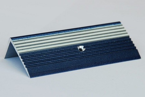 hochwertige Treppenkanten Metalleisten